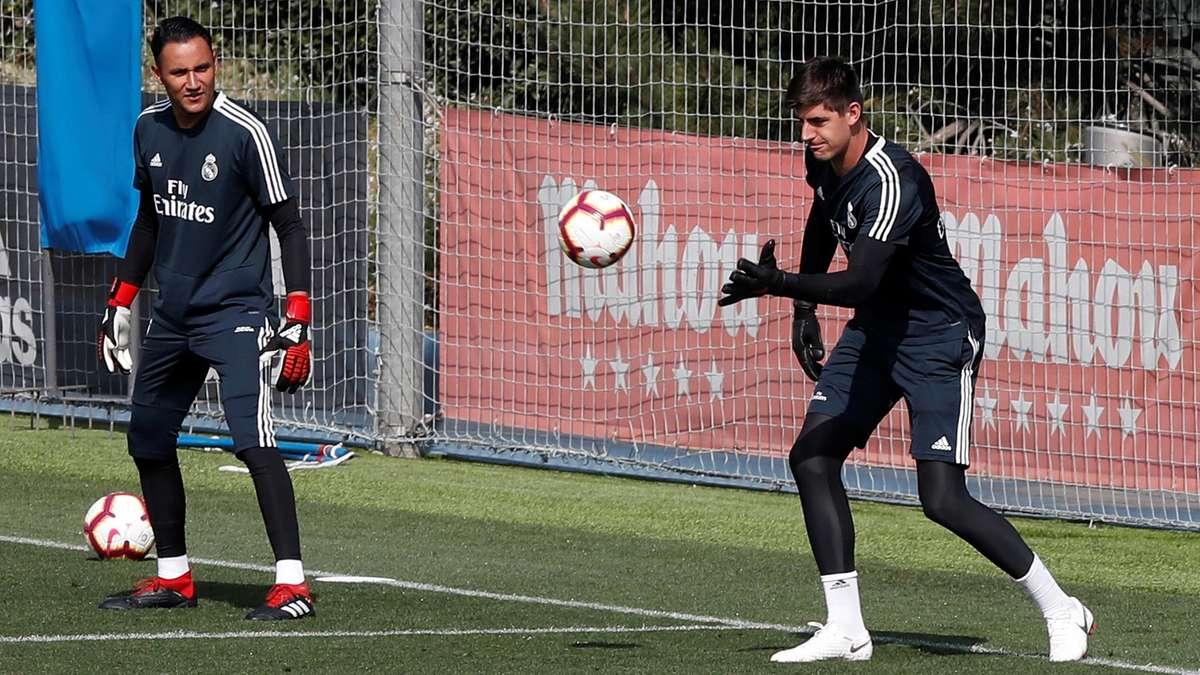 كورتوا ونافاس في تدريبات ريال مدريد