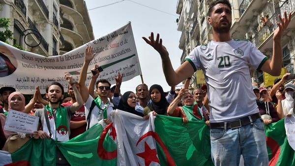 """تظاهرات بالجزائر مجدداً.. لا لتجاوز """"إرادة الشعب"""""""