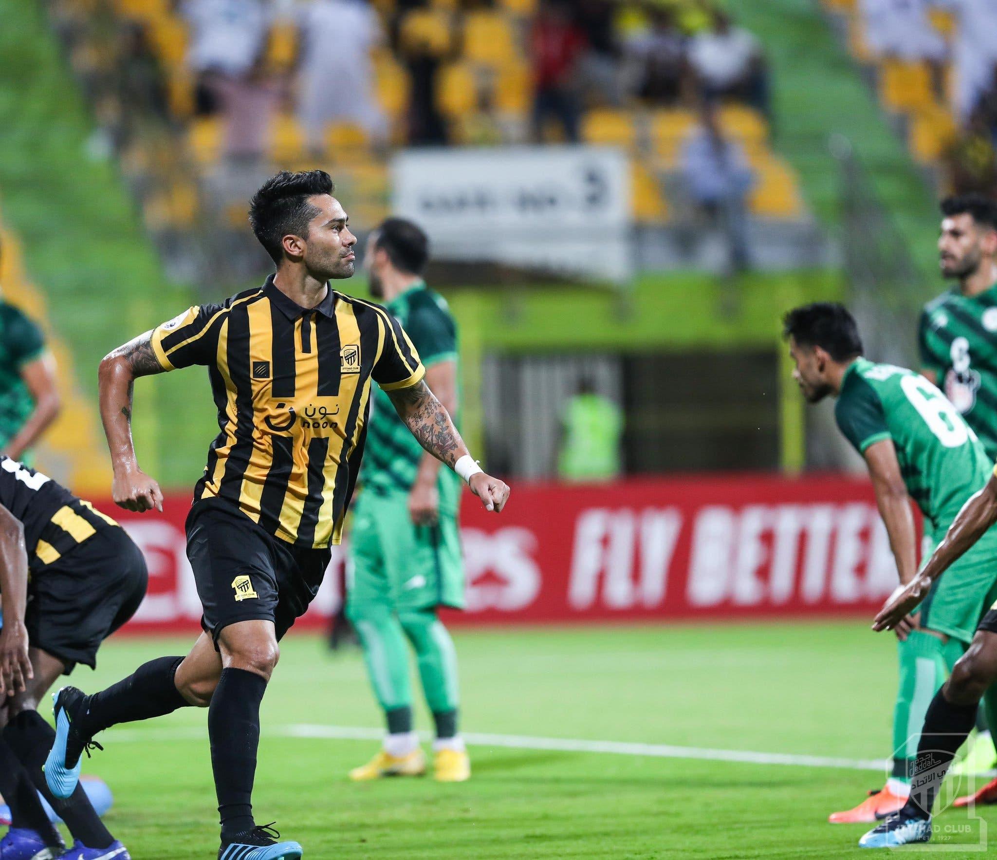 فرحته بعد هدفه  ضد ذوب آهن اصفهان الإيراني
