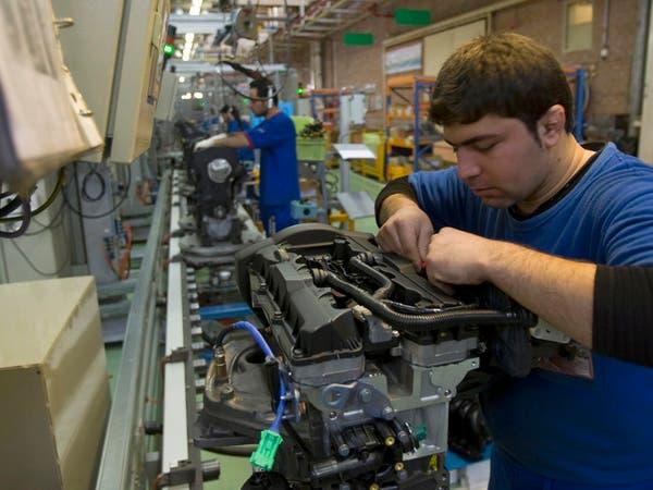 """75% من مصانع إيران الصغيرة متوقفة.. و""""السيارات"""" تهوي"""