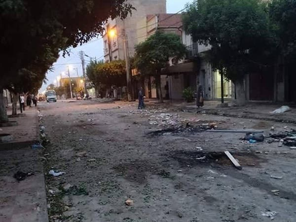 قتيلان في صدامات بين محتجين وقوات الأمن في غرب الجزائر