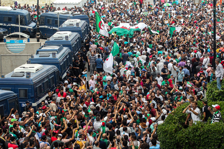تظاهرات في الجزائر(أرشيفية- فرانس برس)