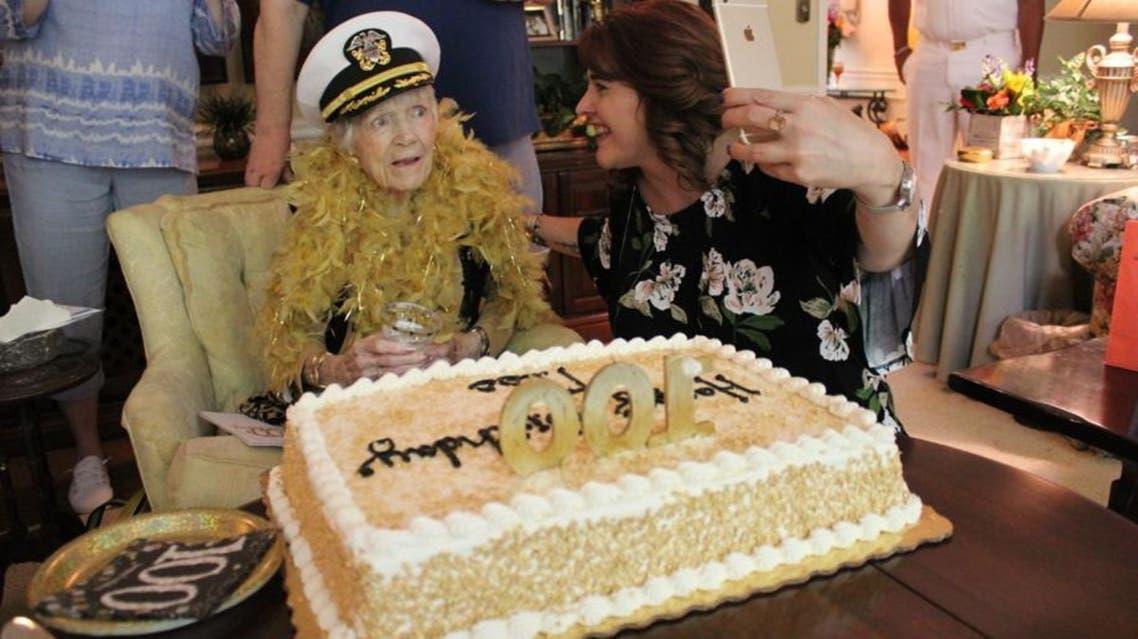 زن آمریکایی بازمانده از جنگ جهانی دوم صد سالگیاش را جشن گرفت