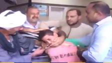 لحظات مؤثرة للقاء طفل بذويه اختطفته جارة طمعاً بفدية