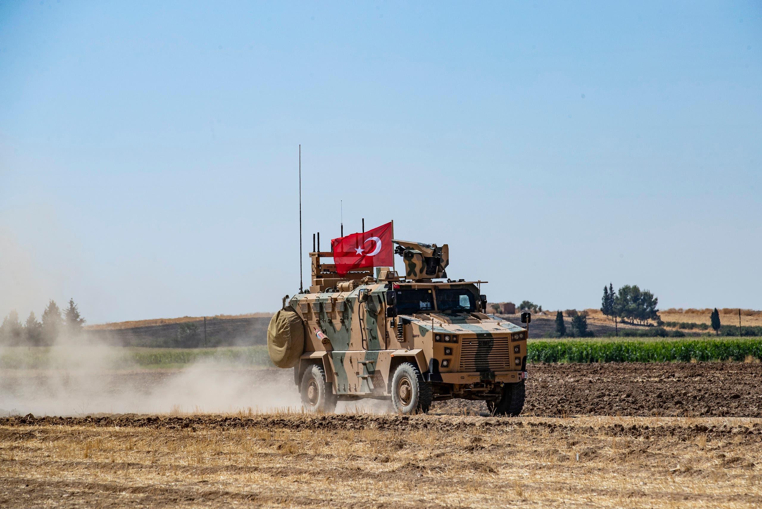 دورية تركية على الحدود مع سوريا