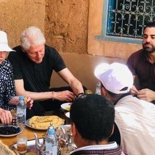 شاهد بيل وهيلاري كلينتون يتناولان فطور المغرب التقليدي