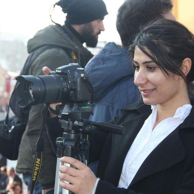 السجن أو الهروب.. صحافية تروي حكايتها مع محاكم تركيا