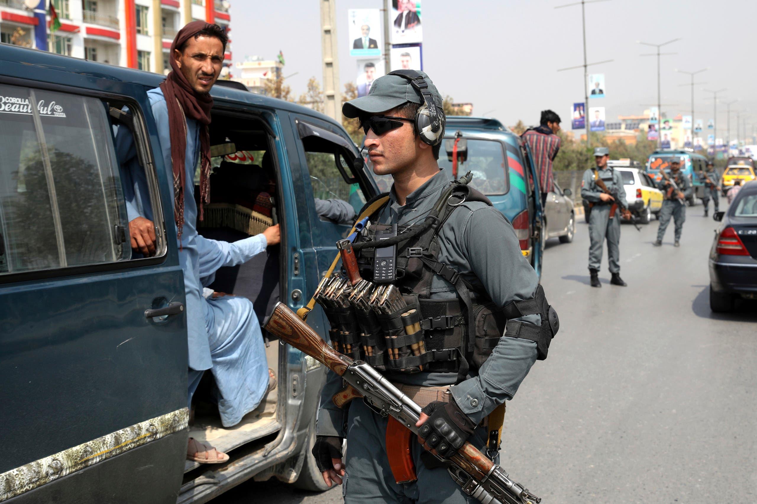 أحد عناصر الشرطة الأفغانية