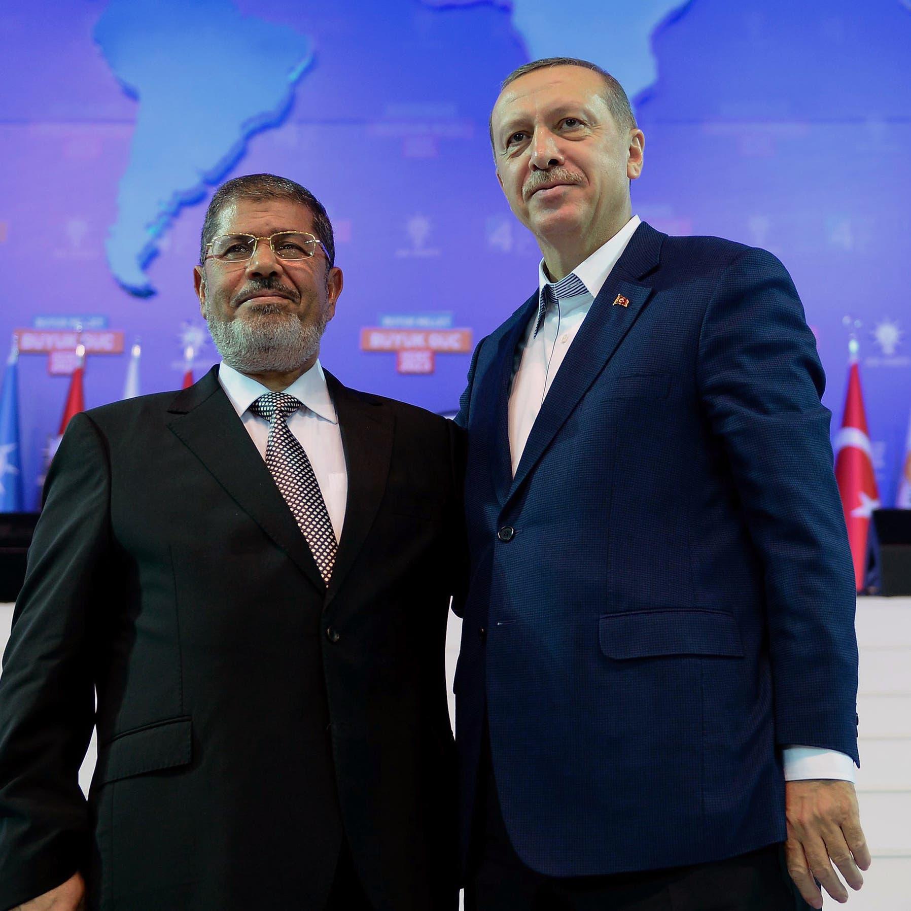 قيادي إخواني منشق يكشف خبايا علاقة الإخوان بقطر وتركيا