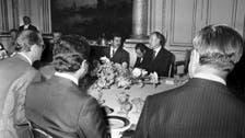 """أكل مسكوف مع صدام.. قصة جاك شيراك الذي """"أسره الشرق"""""""