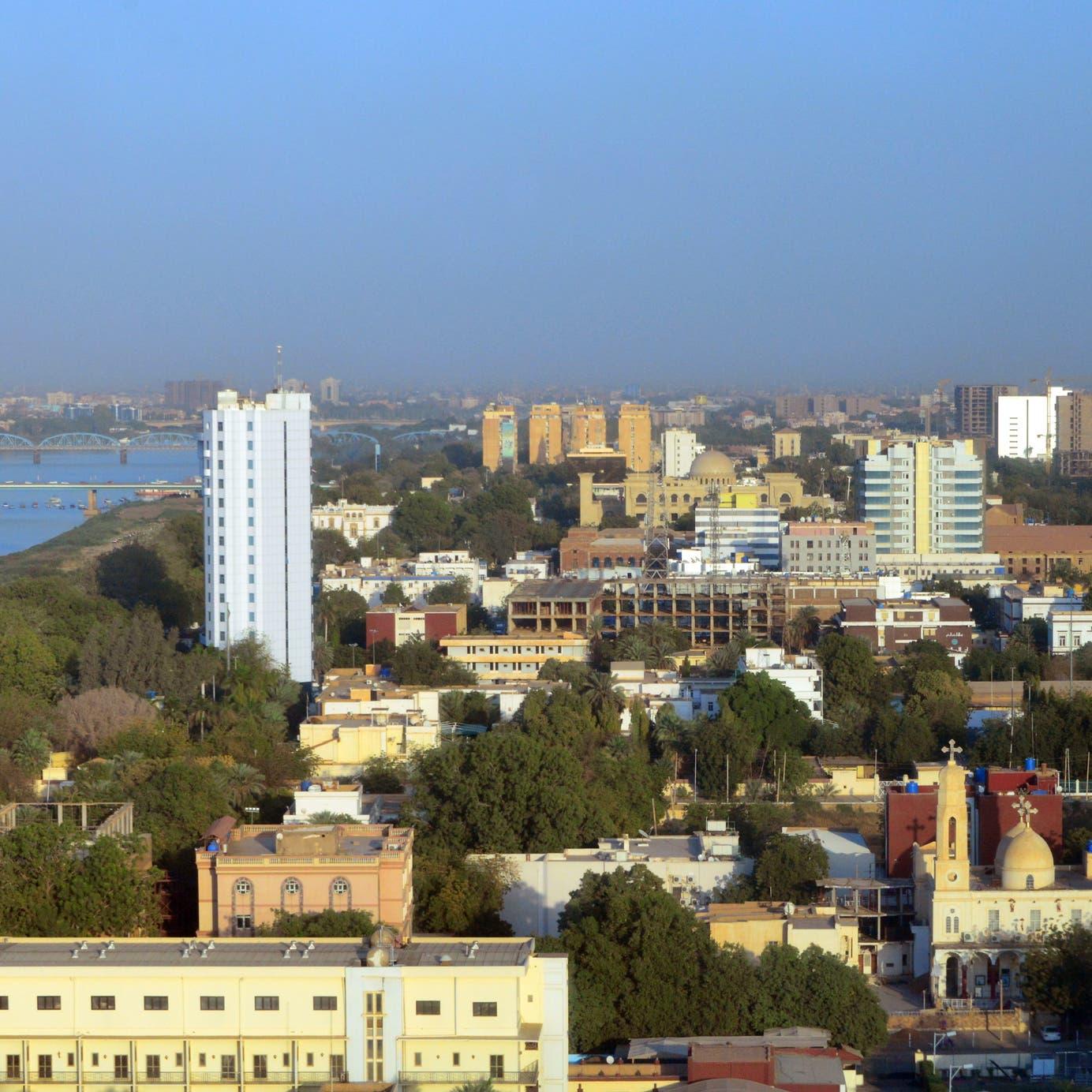 السودان يعتزم إلغاء دعم الوقود تدريجياً في 2020