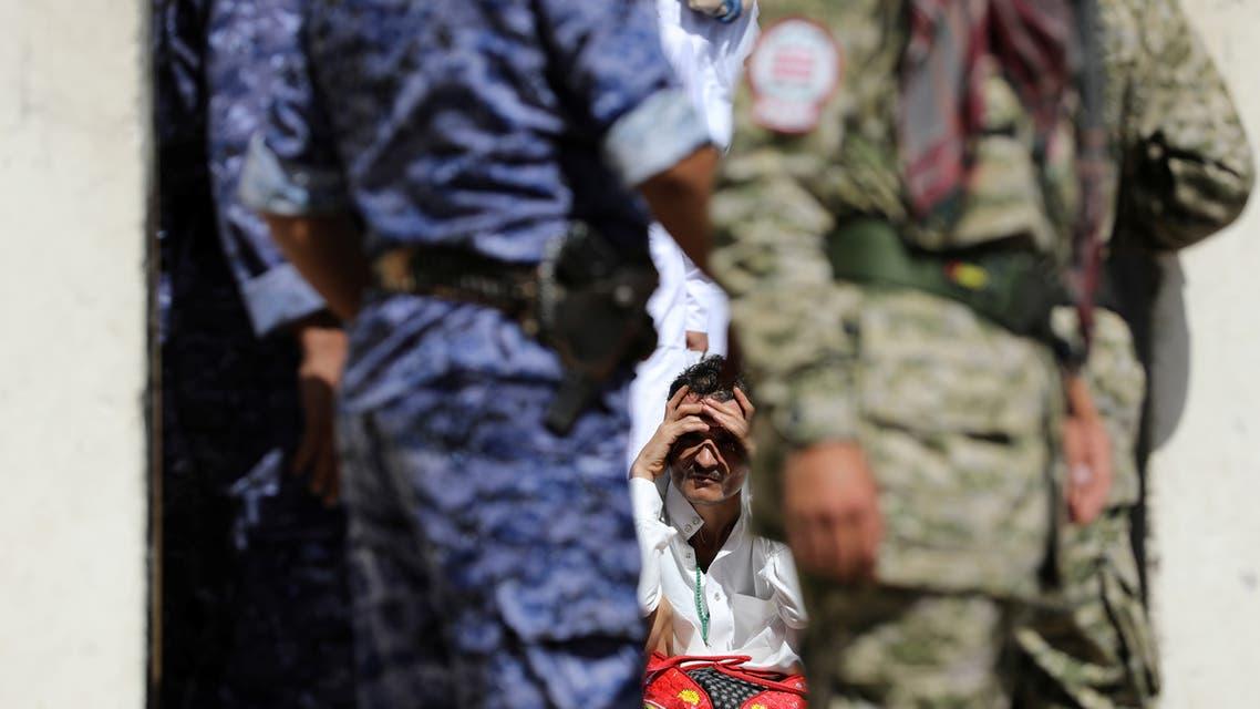 إطلاق سراح 290 أسيراً كانوا محتجزين في سجون العاصمة صنعاء، كشف وكيل وزارة حقوق الانسان اليمني أن أغلب الذين أفرج عنهم حالتهم الصحية سيئة وبعضهم يعاني من شلل تام