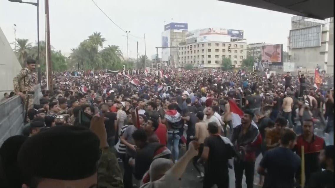 العراق.. تصادم عنيف بين المتظاهرين والأمن