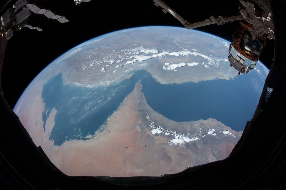 صورة لمنطقة الخليج من الفضاء