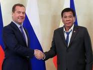 """انتقادات لهندام رئيس الفلبين.. ومسؤول يؤكد """"رائحته منعشة"""""""