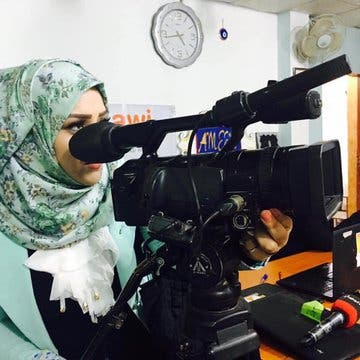 الناشطة العراقية سارة المدني