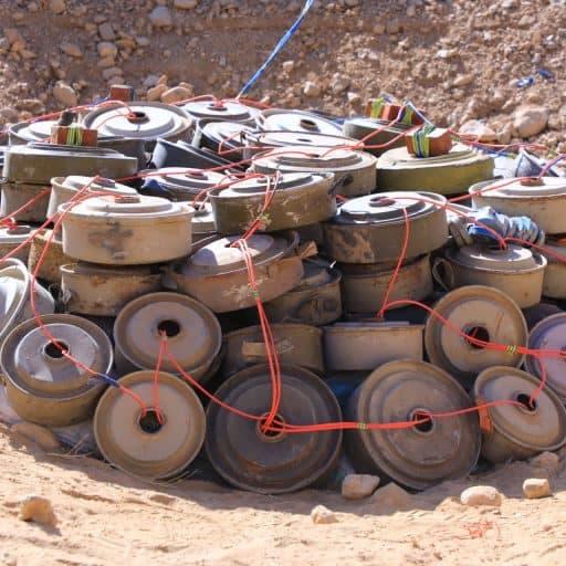 تفكيك حقل ألغام حوثي وسط حي سكني في الحديدة
