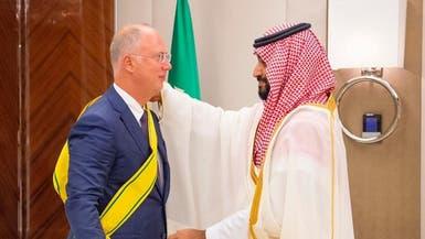 عرّاب استثمارات روسيا بالعالم.. يتقلّد وساماً سعودياً