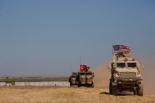 دوريات أميركية وتركية في المنطقة الآمنة