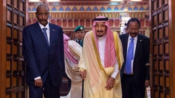 الملك سلمان يستقبل البرهان وحمدوك في أول زيارة خارجية مشتركة لهما
