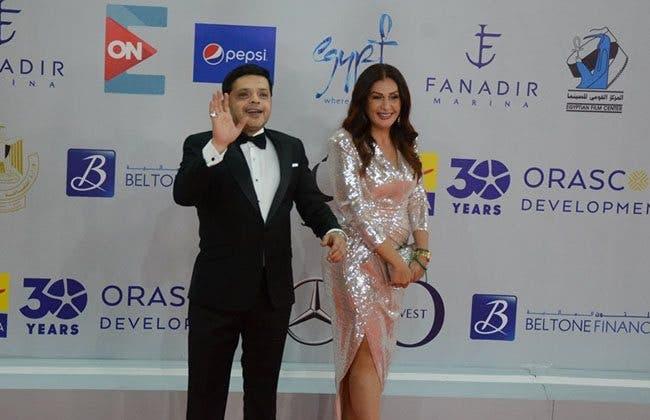 محمد هنيدي وزوجته خلال مهرجان الجونة السينمائي