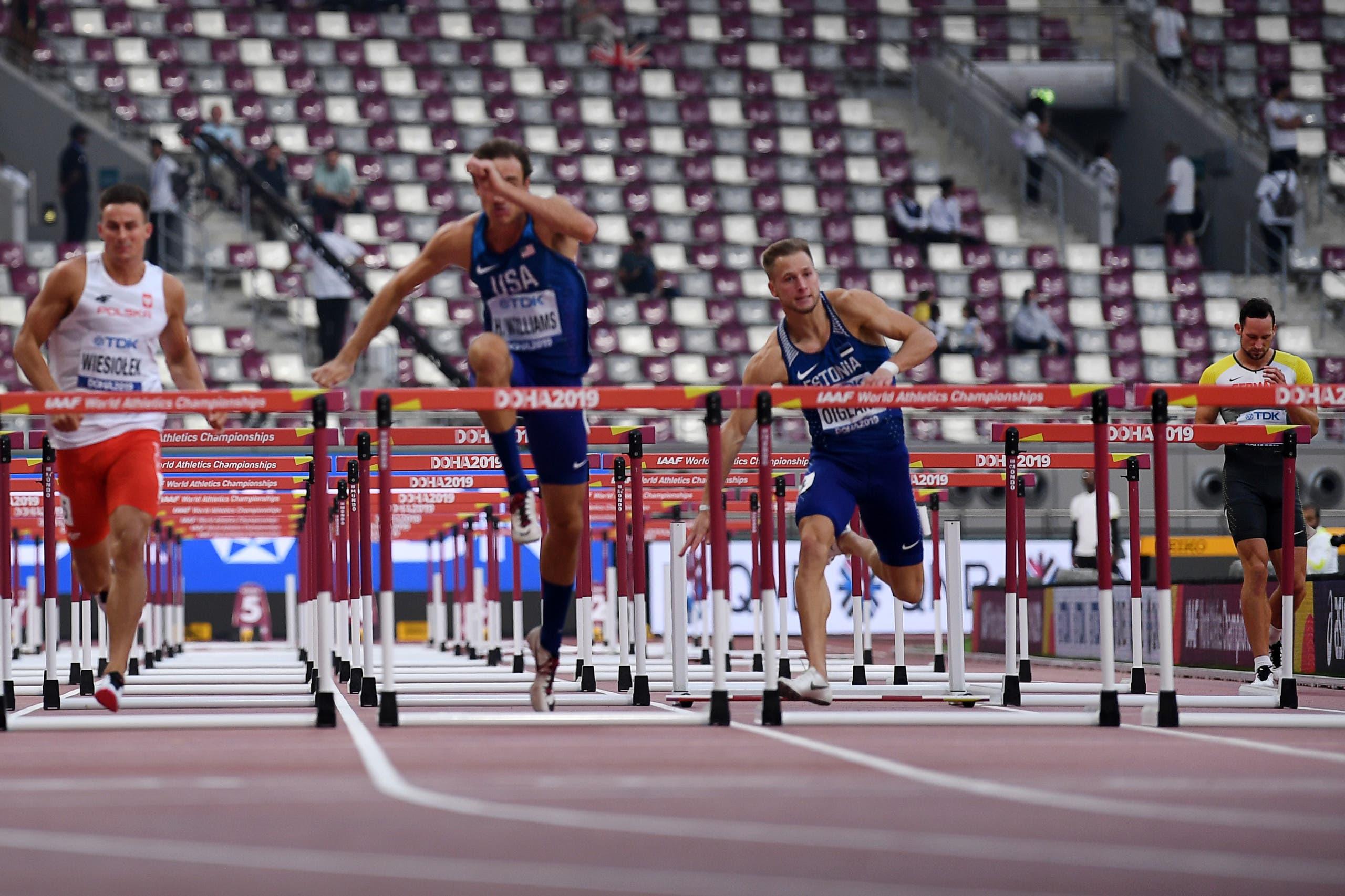 المدرجات الفارغة خلال مسابقات ألعاب القوى