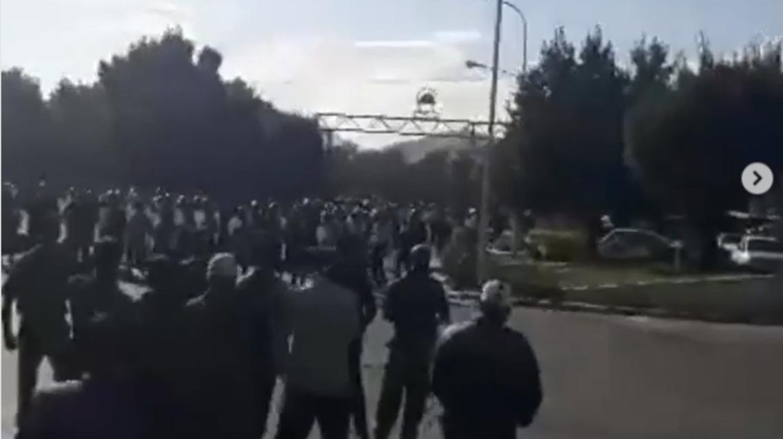 کارگران شرکت «آذرآب» اراک برای دومین روز متوالی اعتصاب کردند