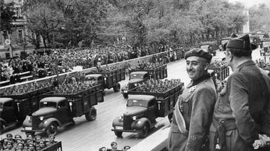 أعضاء برشلونة يصوتون على سحب ميداليات من الدكتاتور فرانكو