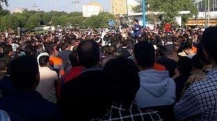 عمال الأهواز في عوز.. و200 ألف دولار إلى جيب المحافظ