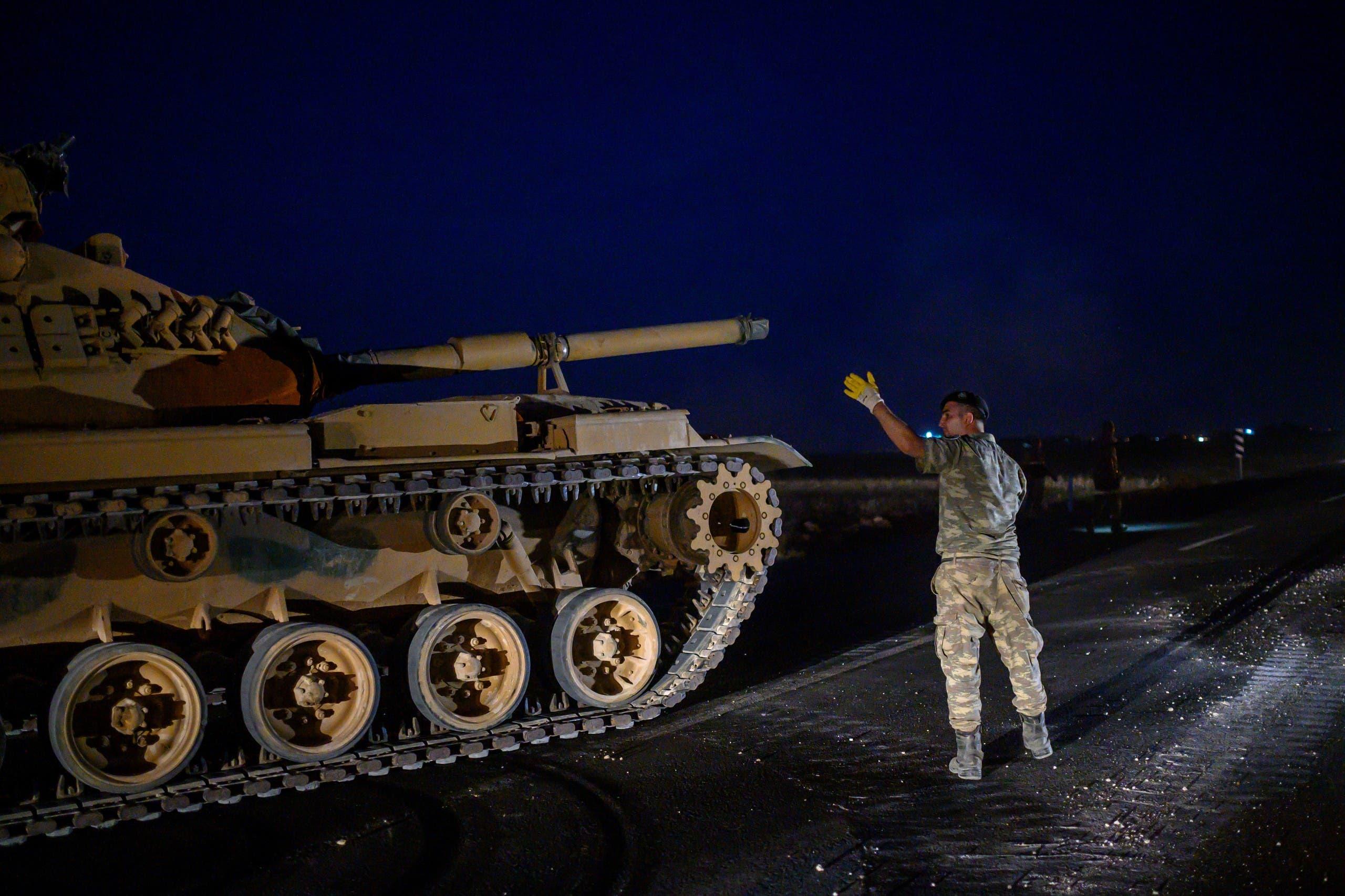 تعزيزات تركية إلى الحدود السورية(فرانس برس)