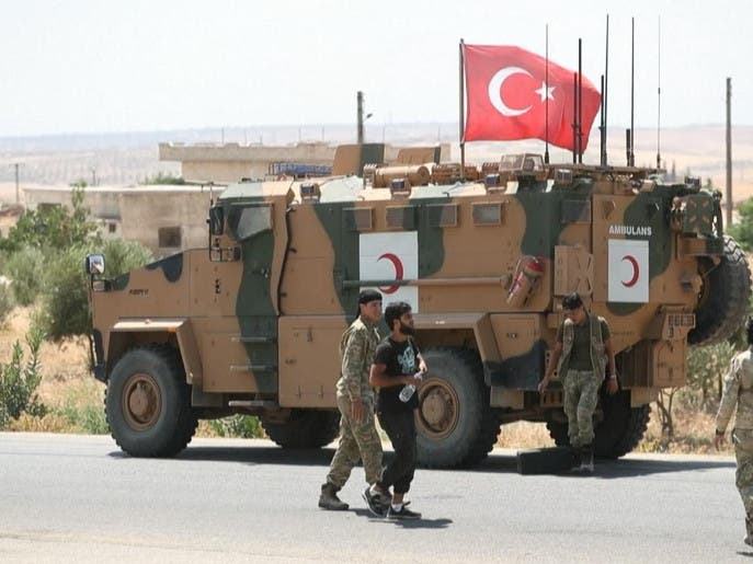 قتلى وإصابات بين القوات التركية بهجوم على رتل عسكري بإدلب