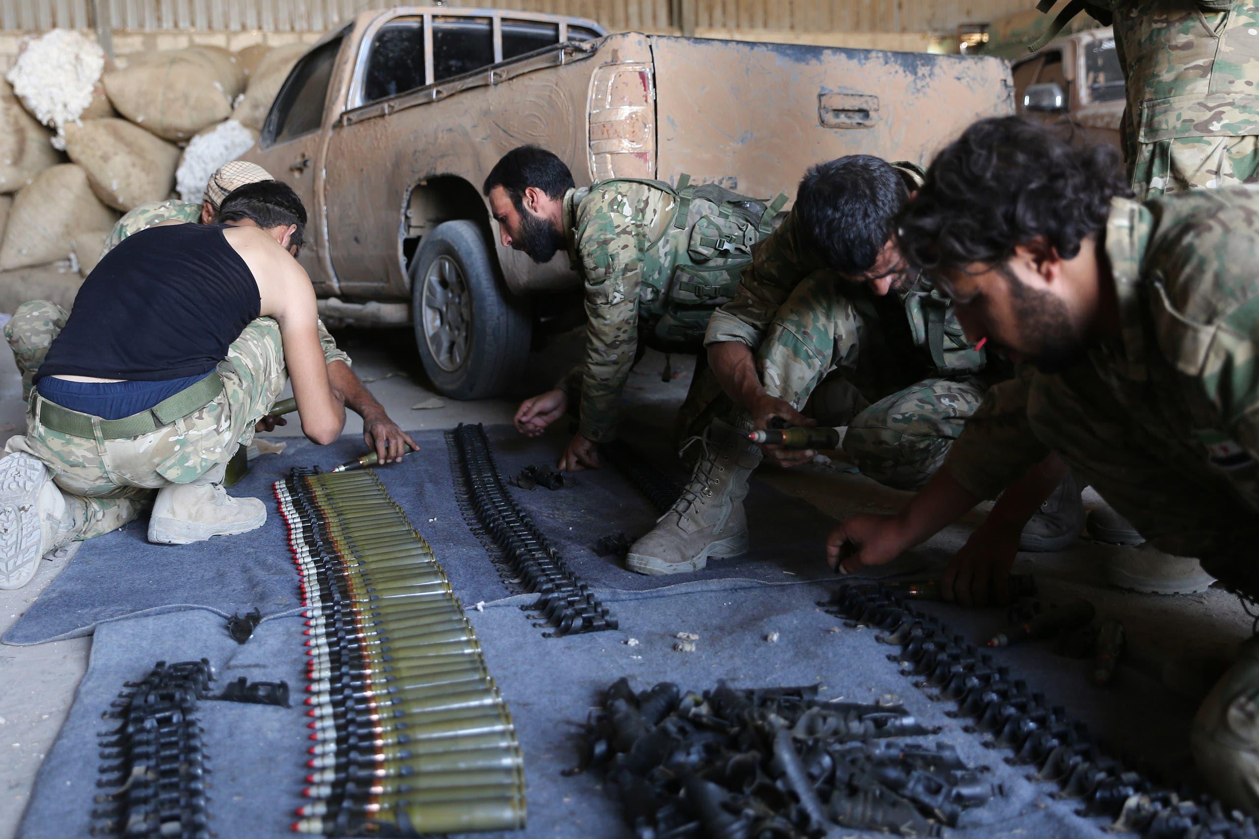 عناصر من فصائل مسلحة موالية لتركيا(فرانس برس)