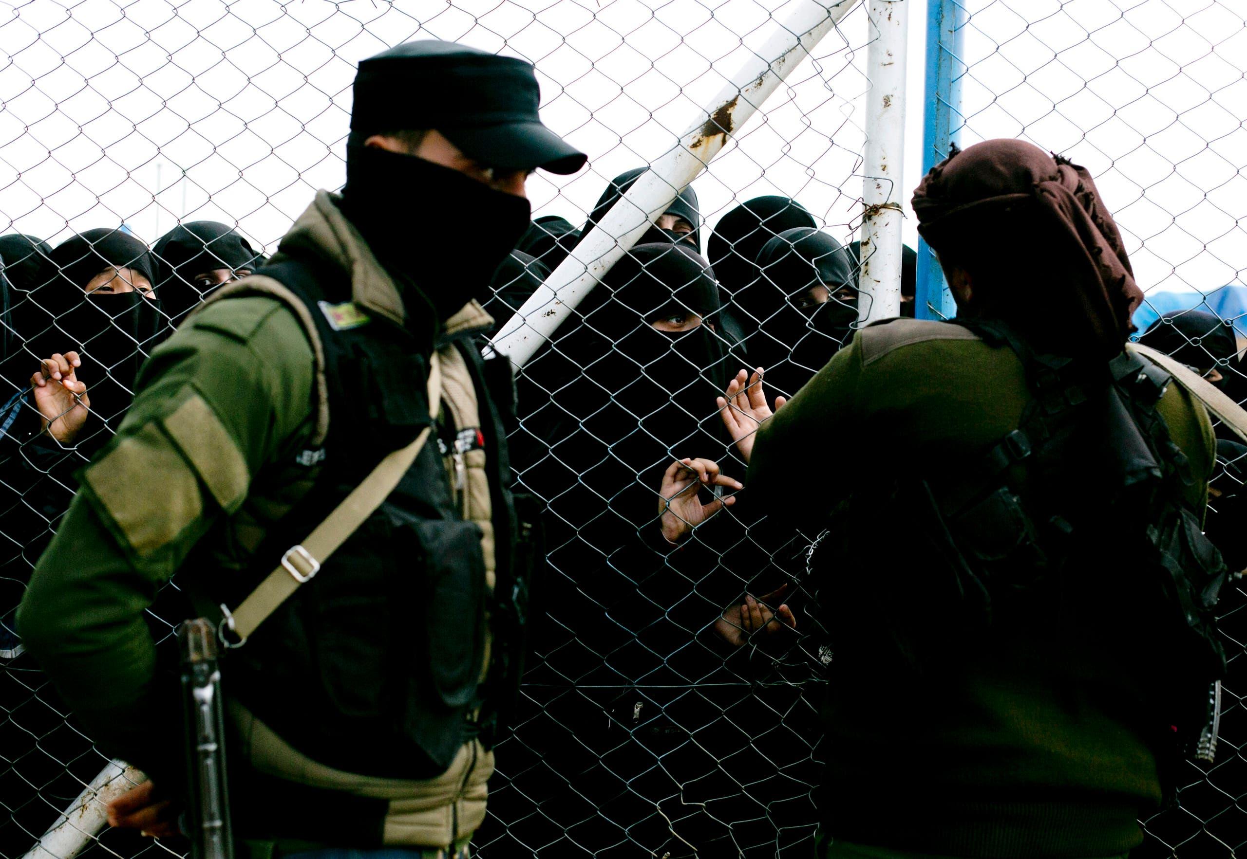 عائلات عناصر تنظيم داعش في مخيم الهول