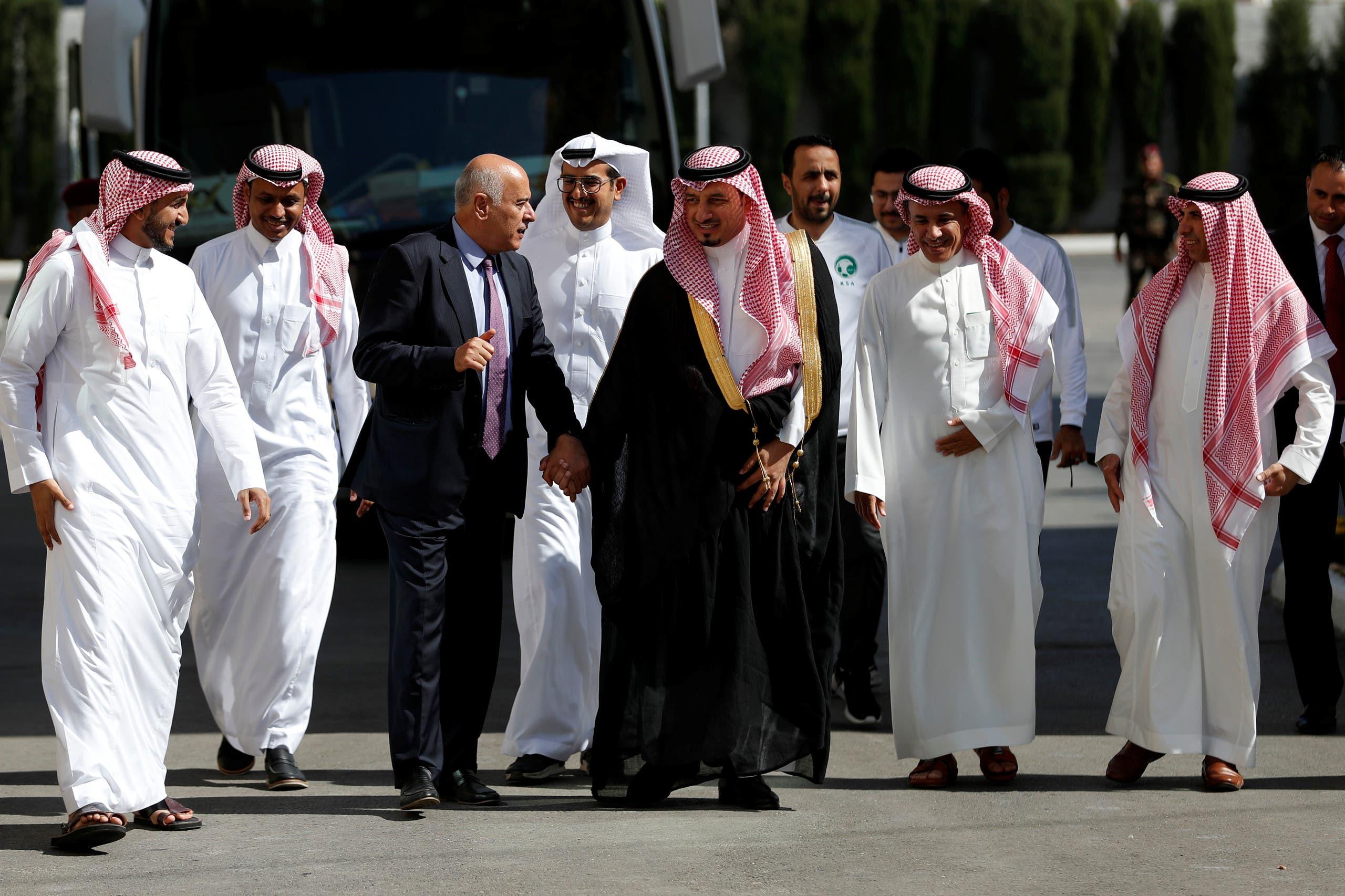 جبريل الرجوب يستقبل ياسر المسحل وبعثة المنتخب السعودي
