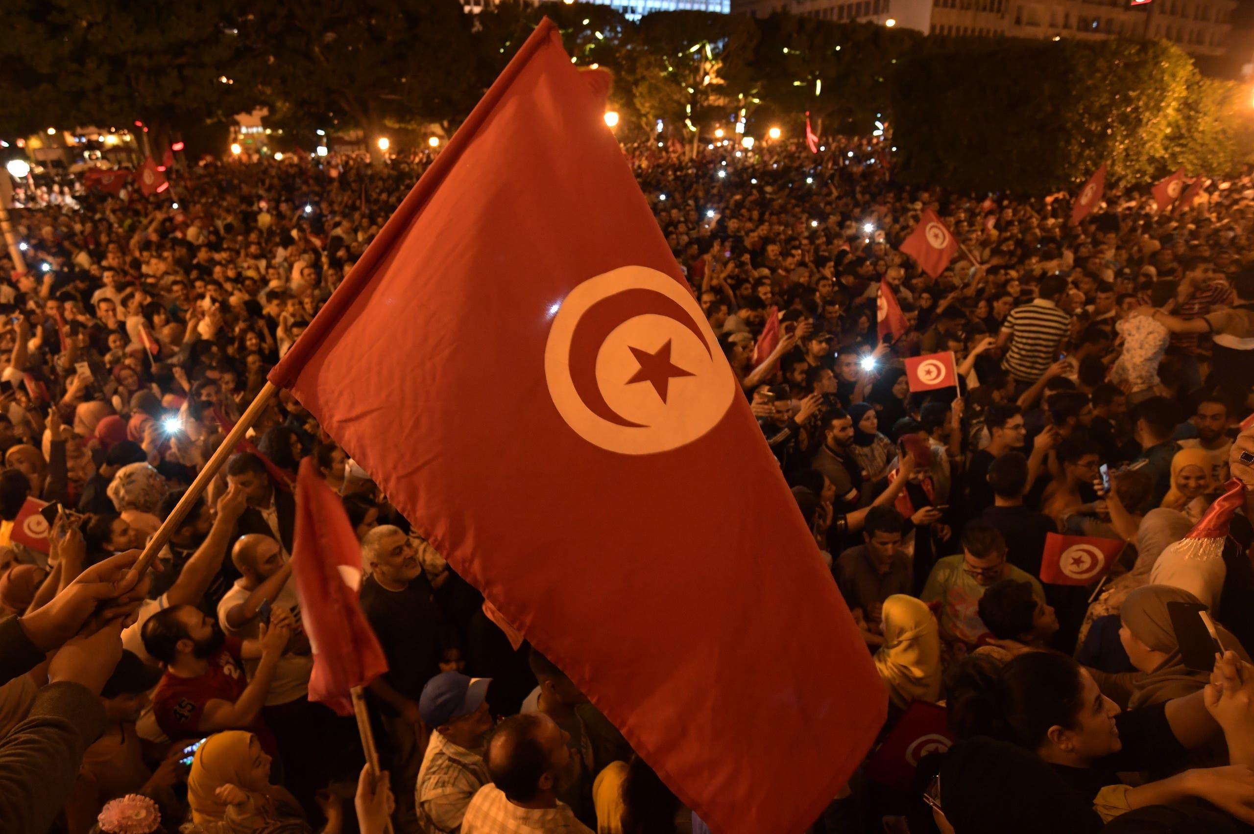 أنصار سعيّد يحتفلون