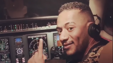 الطيار صاحب الأزمة مع محمد رمضان يكشف حقيقة ما حدث