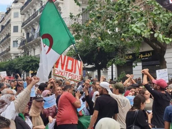 الجزائر.. مظاهرات جديدة تطالب برحيل رموز بوتفليقة