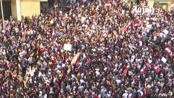 تظاهرات حاشدة في بيروت.. وسقوط قتيلين في طرابلس