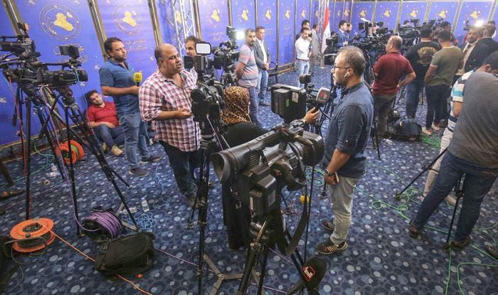 مراسلو وسائل الإعلام في العراق يصفون مهنتهم بمهنة المتاعب