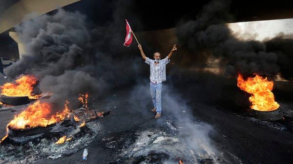 جنبلاط يدعو أنصاره للتحرك.. ورفع العلم اللبناني حصراً