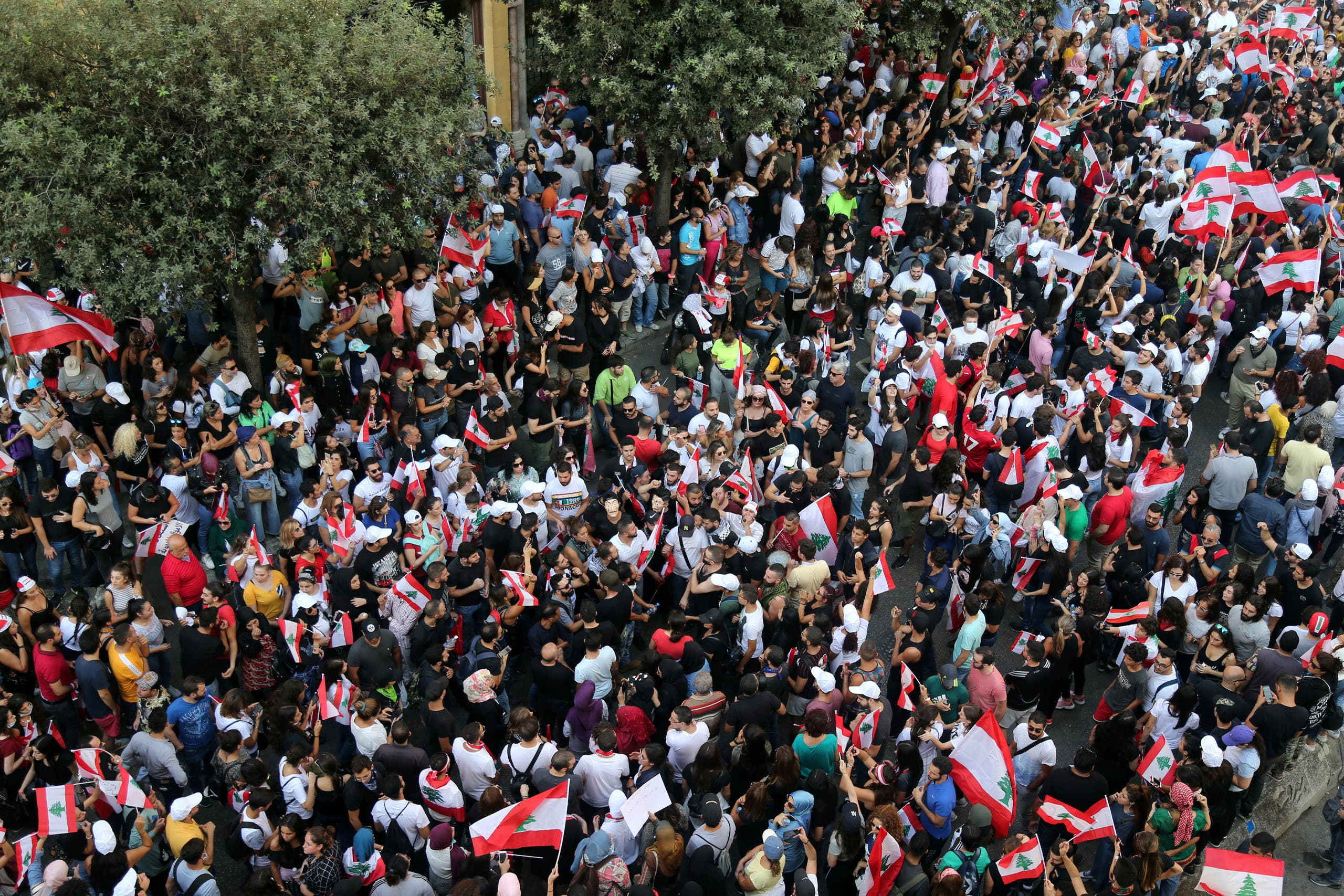 تظاهرات لبنان رويترز 19 أكتوبر