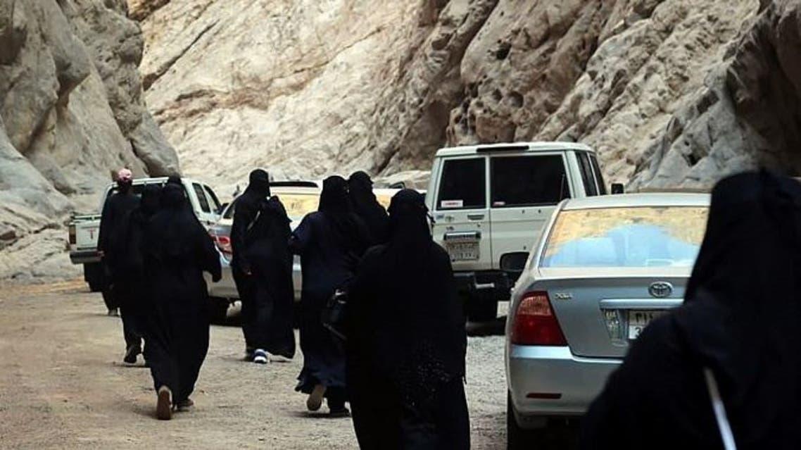 وفد سياحي سعودي في نيوم