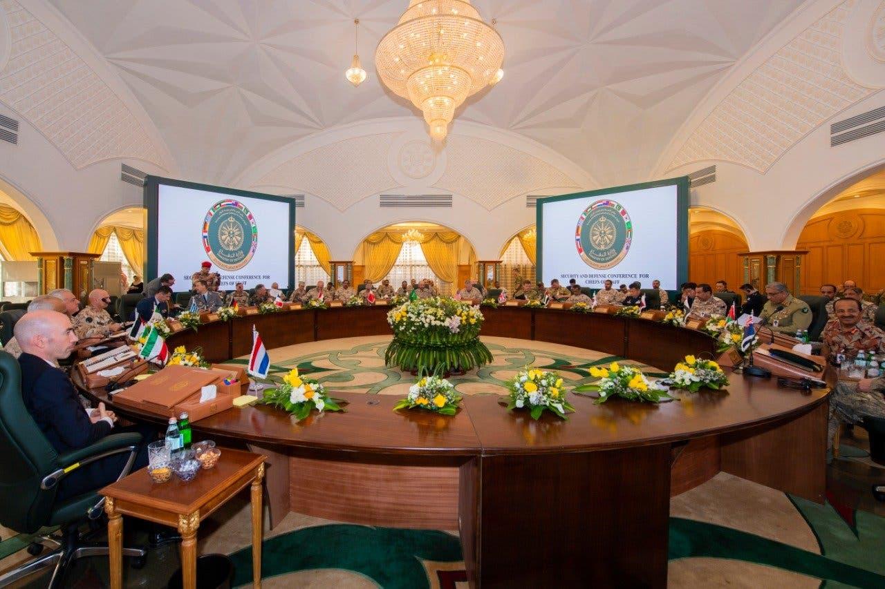 رؤساء الأركان بدول الخليج وعدد من الدول الشقيقة والصديقة يشاركون في مؤتمر الأمن والدفاع