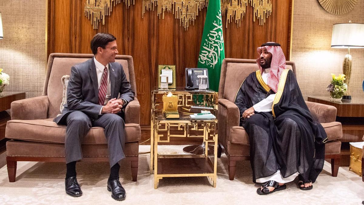 Mark Esper and Mohammed bin Salman. (Twitter/@EsperDoD)