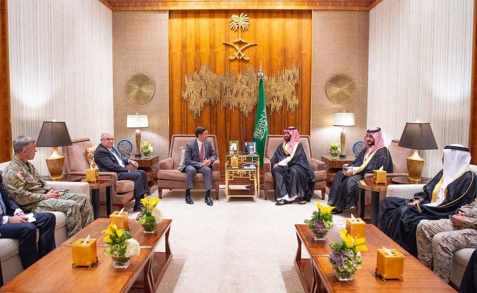 وزير الدفاع الأميركي مارك إسبر وولي العهد السعودي الأمير محمد بن سلمان
