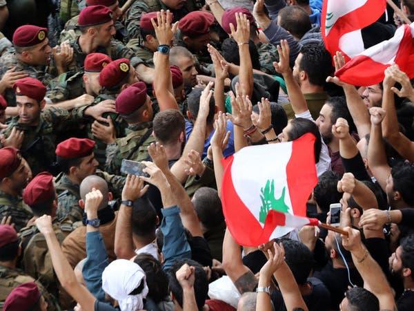 الجيش يفتح طرقات لبنان.. واشتباكات في بعض المناطق