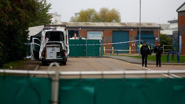 صدمة في بريطانيا.. شاحنة تتجول بـ 39 جثة!