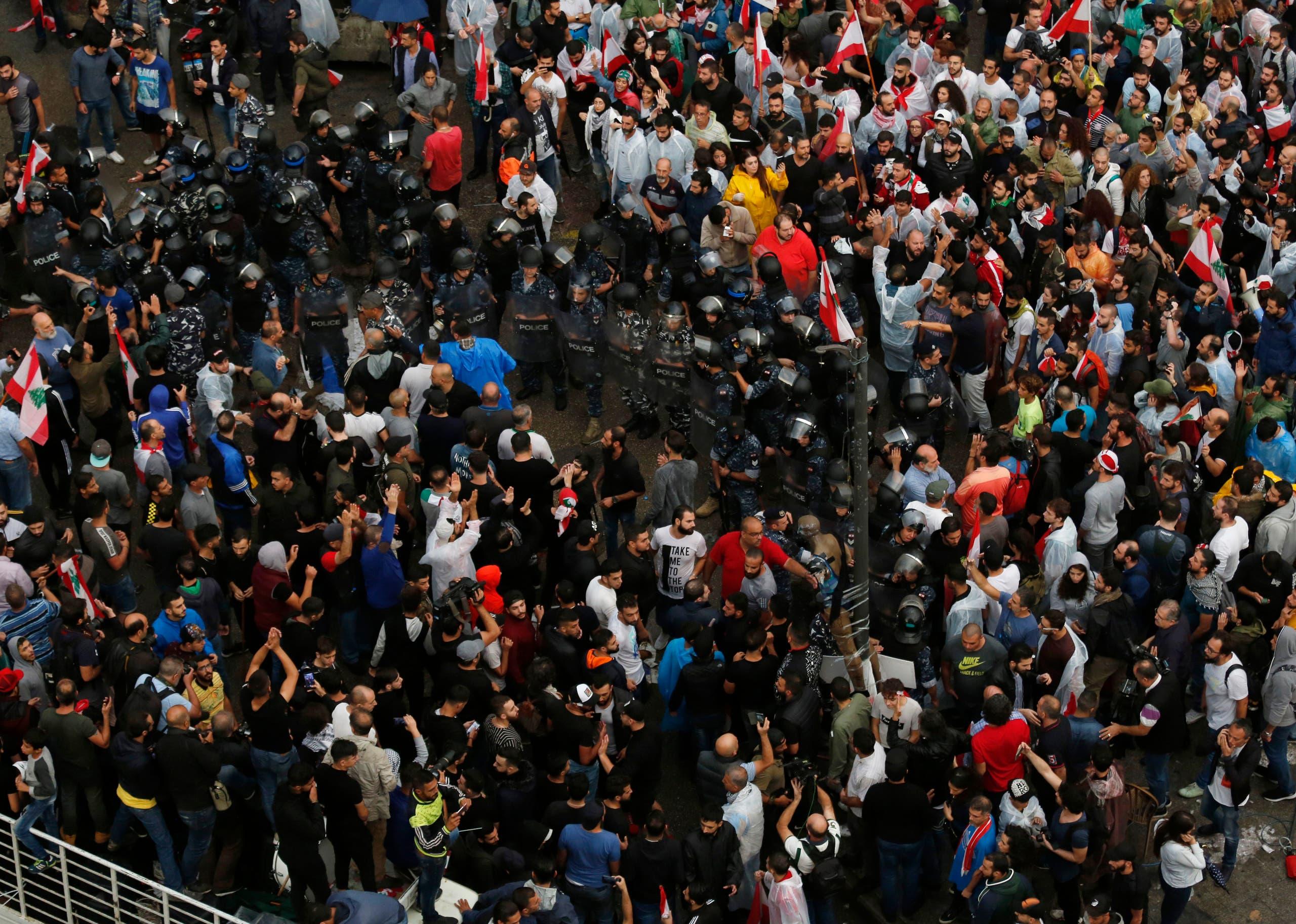 عوامل حزبالله لبنان با حضور در میان معترضان بیروتی درگیری ایجاد کردند