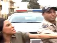 عراك وصراخ.. شاهد ملحناً لبنانياً شهيراً يتهجم على إعلامية