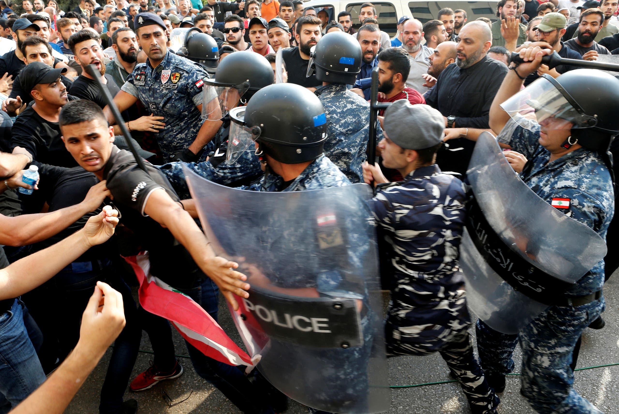 من اشتباكات الأمن اللبناني مع مناصري حزب الله في بيروت